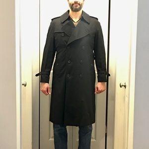 Burberry Men's classic black trench coat slim fit